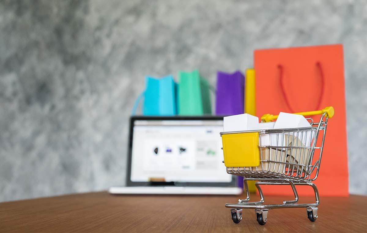 המדריך המלא להקמת אתר מכירות באינטרנט